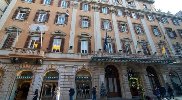 Roma, tassa di soggiorno evasa, l\'hotel Plaza restituisce 2 milioni