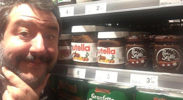 Salvini attacca Nutella: «Usa nocciole turche, mangio italiano». Bufera social