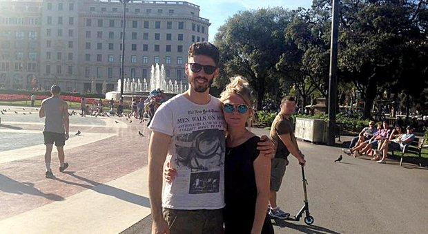 Luca Sacchi con la fidanzata Anastasia ancora felici