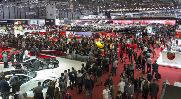 A Ginevra, secondo gli organizzatori, i visitatori attesi per l'edizione 2016 sono in totale tra 650 e 700 mila