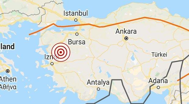 Terremoto in Turchia, forte scossa di 5.2 nel distretto di Kirkagac: «Sentito fino a Smirne»