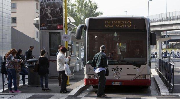 Roma, autista Tpl menomato da aggressione, rischia il licenziamento: la giunta capitolina vota per tutelarlo