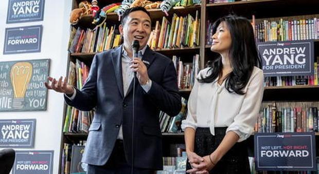 La moglie di Andrew Yang rivela: «Abusata da un ginecologo quando ero incinta»