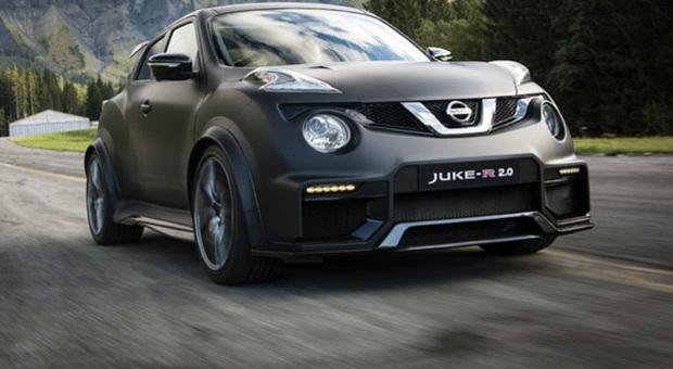 Il Nissan Juke R 2.0 in accelerazione