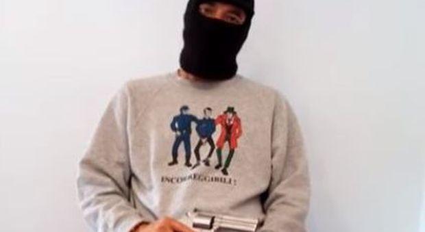 Diabolik, il braccio destro di Carminati Fabio Gaudenzi armato in video: «Svelerò il mandante»