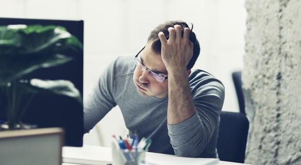 Stress da lavoro fa male al cuore: turni troppo lunghi possono causare aritmie, ictus e infarti
