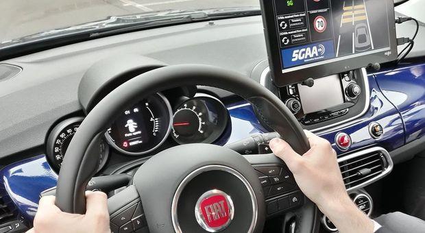 Un veicolo Fca sperimenta la tecnologia 5G