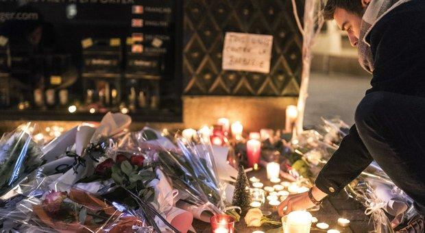 Lumini a Strasburgo per ricordare le vittime dell'attentato