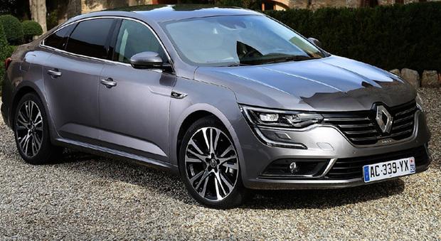 Quattro ruote sterzanti, motori e cambi di ultima generazione, dotazioni tecnologiche all'avanguardia per la Renault Talisman