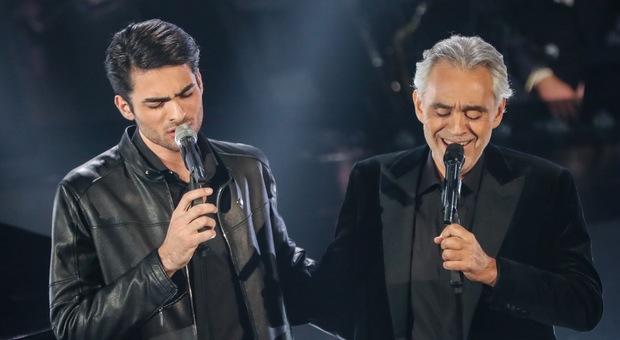 Sanremo 2019, il figlio di Andrea Bocelli fa impazzire i social: «Matteo, ti sposerei»