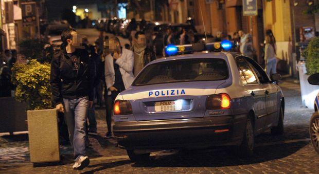 La polizia in una delle zone della movida civitavecchiese