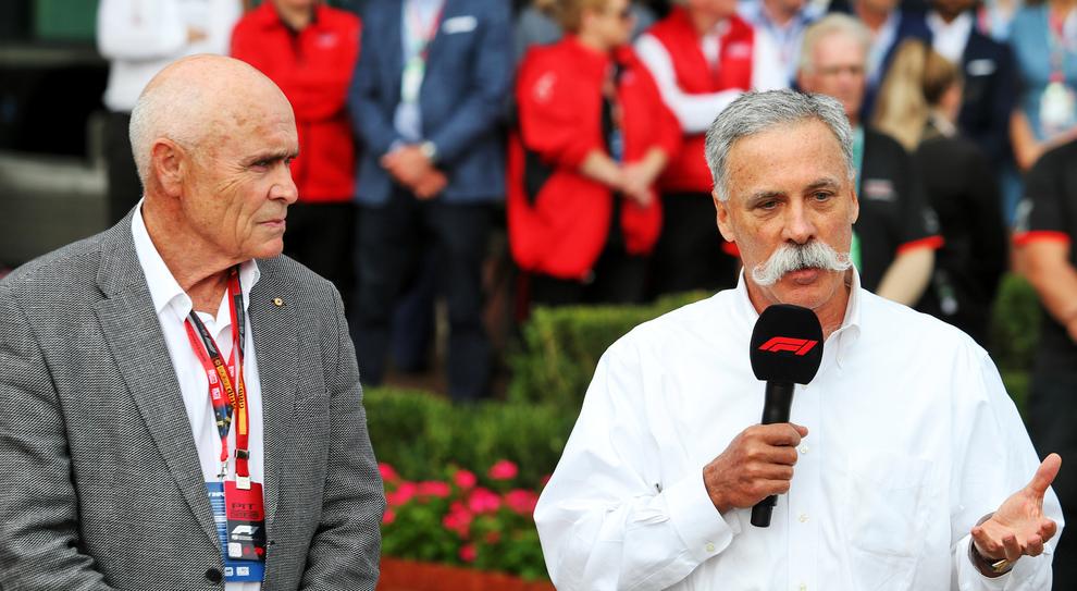 Carey a Melbourne mentre annuncia la cancellazione del Gran Premio di Australia