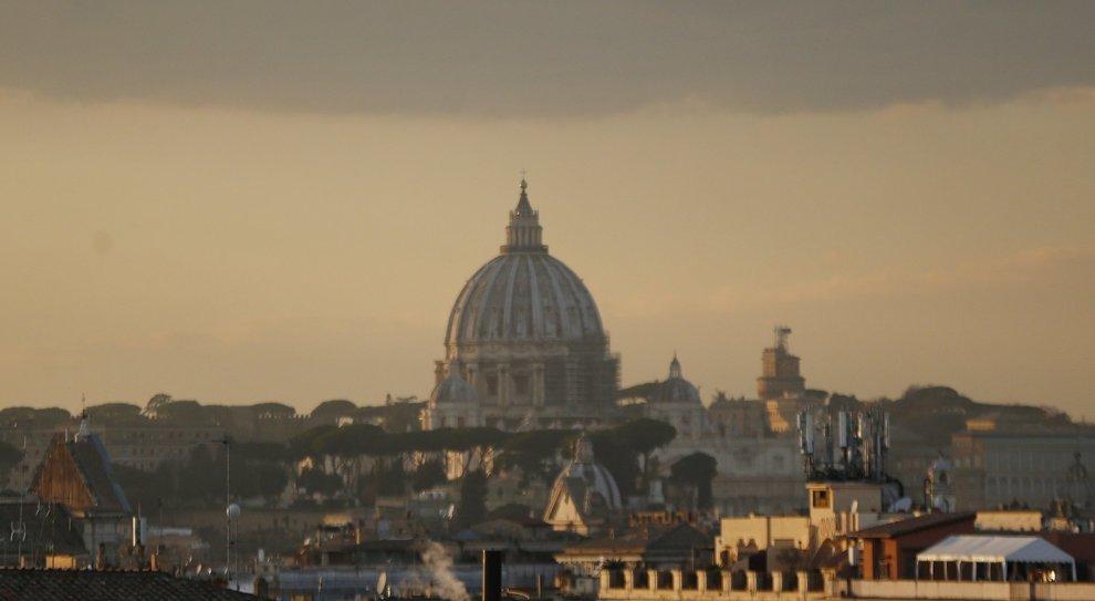 Smog a Roma, la linea talebana è stata un flop e la sindaca scopre il buon senso