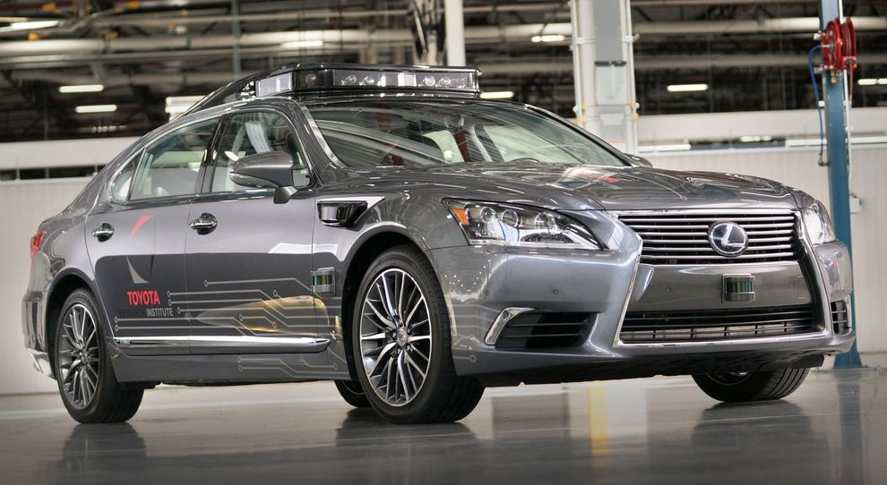 Lexus LS 600 h è il nuovo test vehicle denominato Platform 3.0