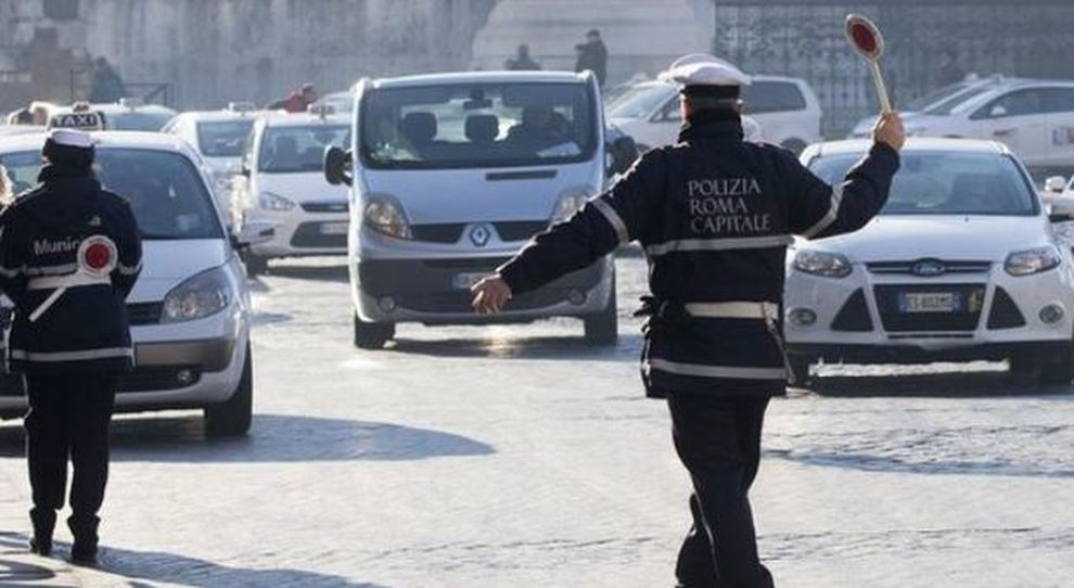 Smog a Roma, limtazioni al traffico