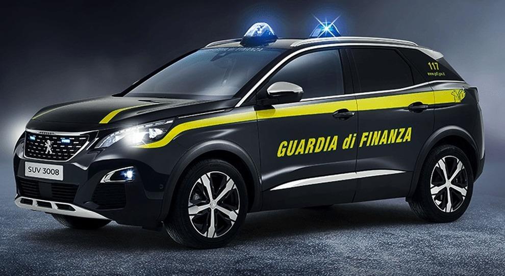 La Peugeot 3008 in livrea della Guardia di Finanza