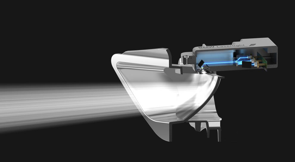 Uno dei fari BMW con tecnologia  Laserlight