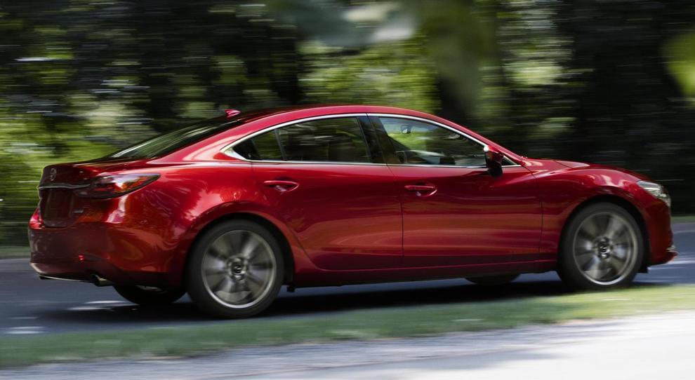 La nuova Mazda 6 che ha debuttato al Los Angeles Auto Show