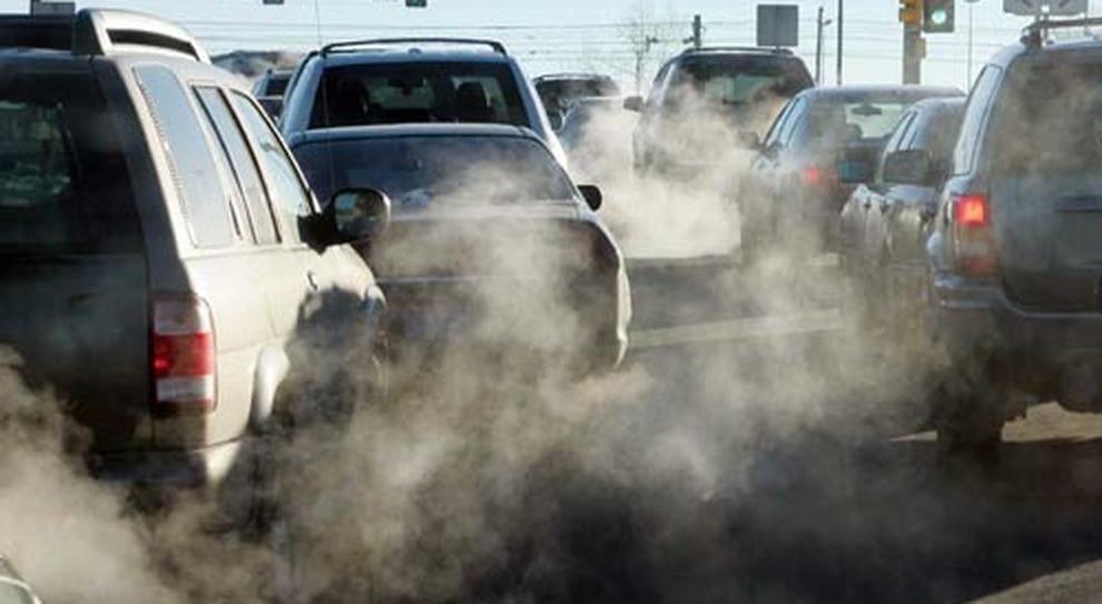 Stop ai diesel: la beffa di Raggi a chi ha l'auto nuova