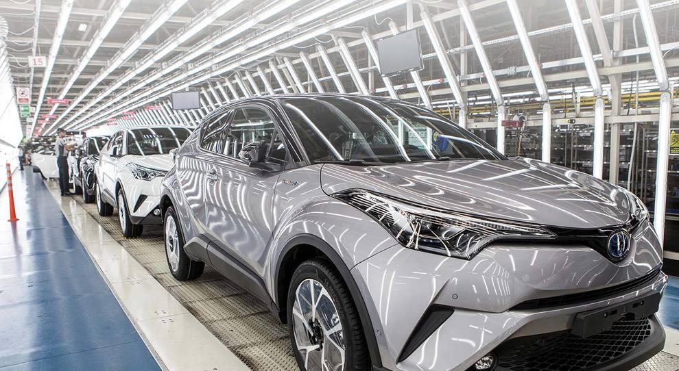 Una fabbrica dove viene prodotta la Toyota CH-R
