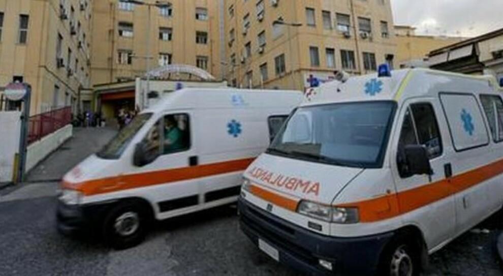 Roma, Pronto soccorso di nuovo al collasso: ambulanze usate come letti