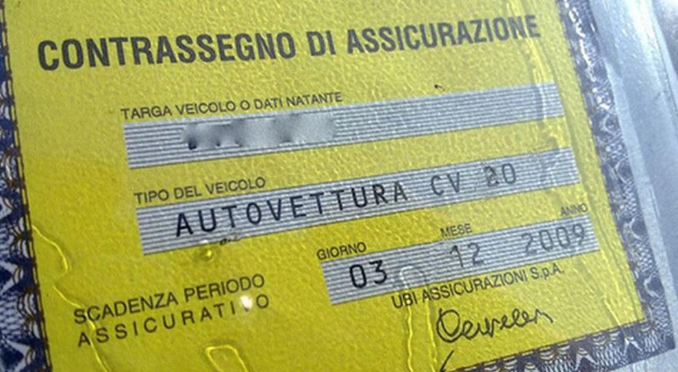 Rc auto false, chiuso dall'Ivass sito che vendeva online polizze contraffatte