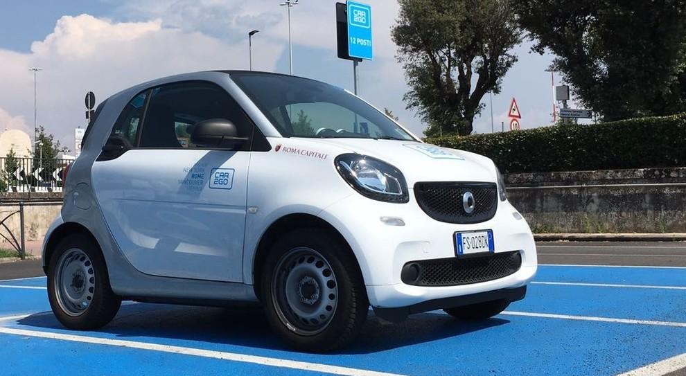 Una Smart di car2go
