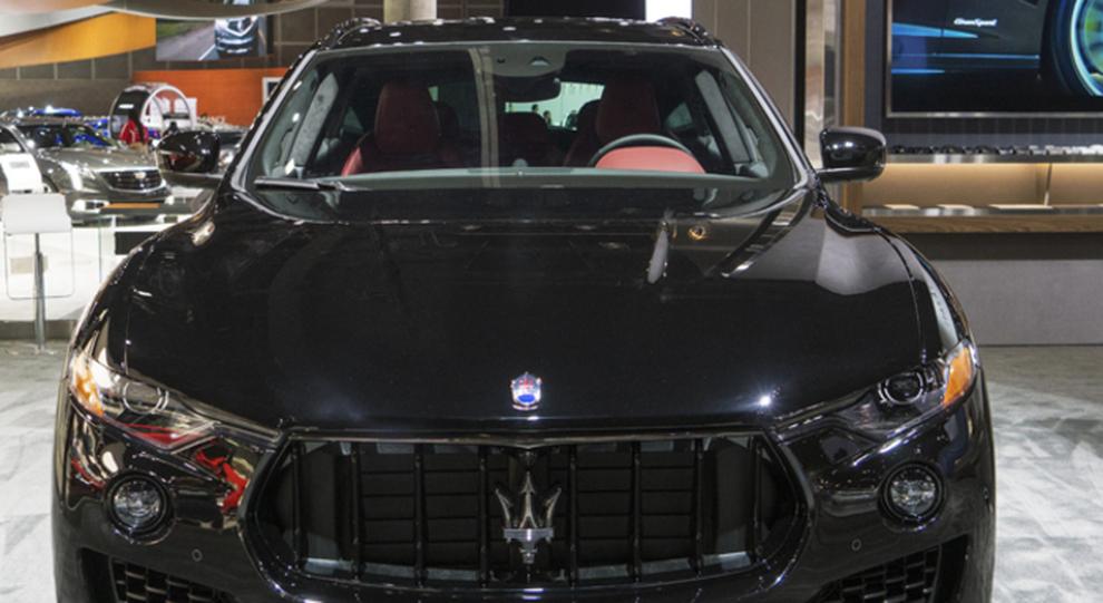 La Maserati Levante in allestimento Nerissimo esposta al salone di Los Angeles