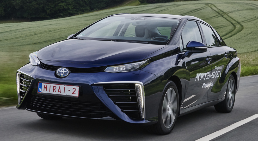 Una Toyota Mirai alimentata ad idrogeno
