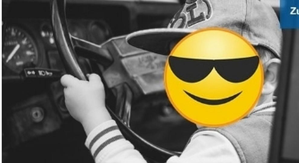 Il bambino pirata della strada a 8 anni ruba di nuovo l'auto. E stavolta tampona un Tir