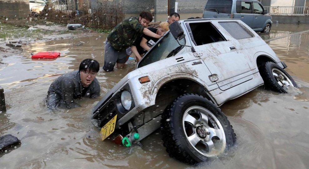 Danni causati dall'alluvione in Giappone