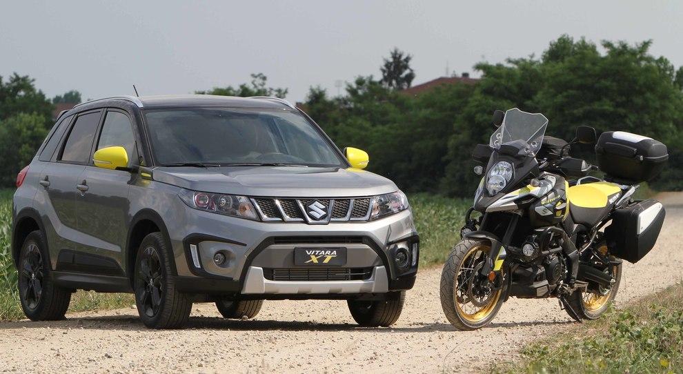 La Suzuki Vitara XT e la VStrom sono due delle protagoniste del Moto Show di Bologna