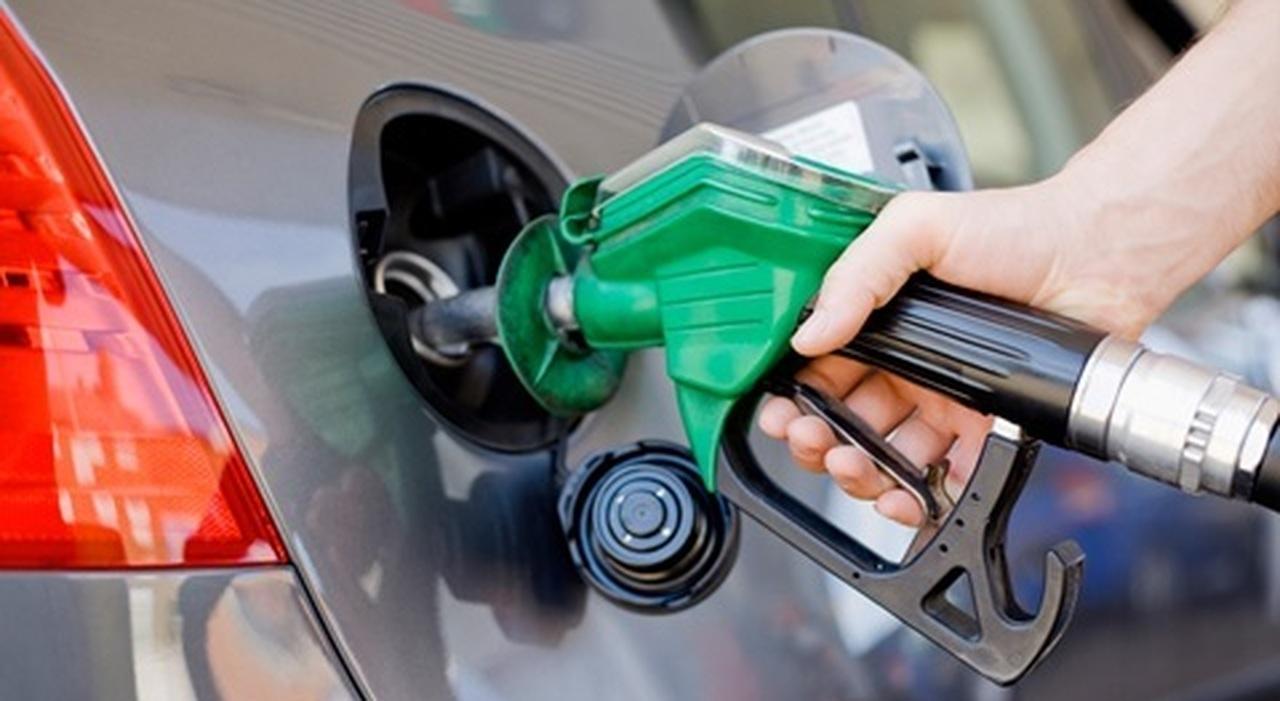 Un rifornimento di benzina