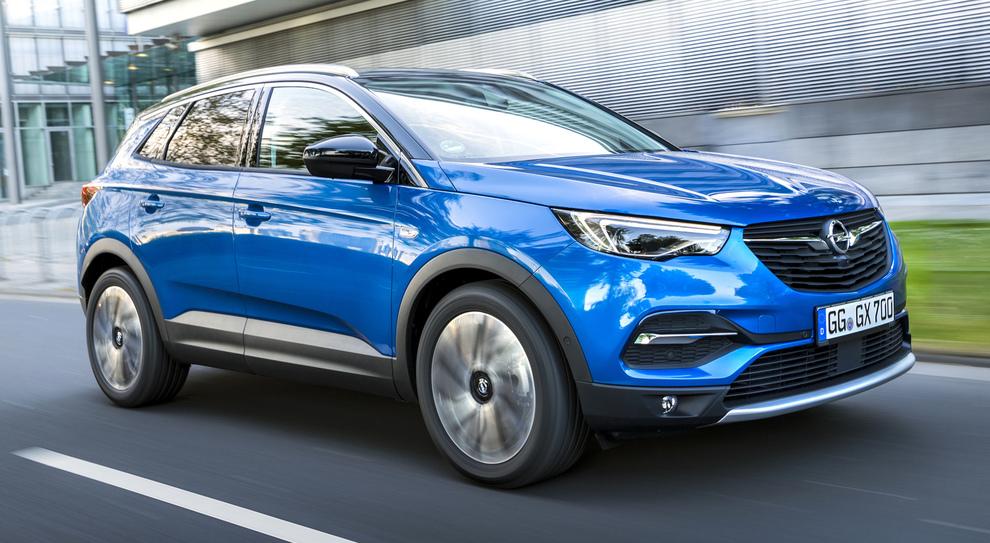 La Opel Grandland X, uno dei due modelli scelti per il rientro sul mercato russo