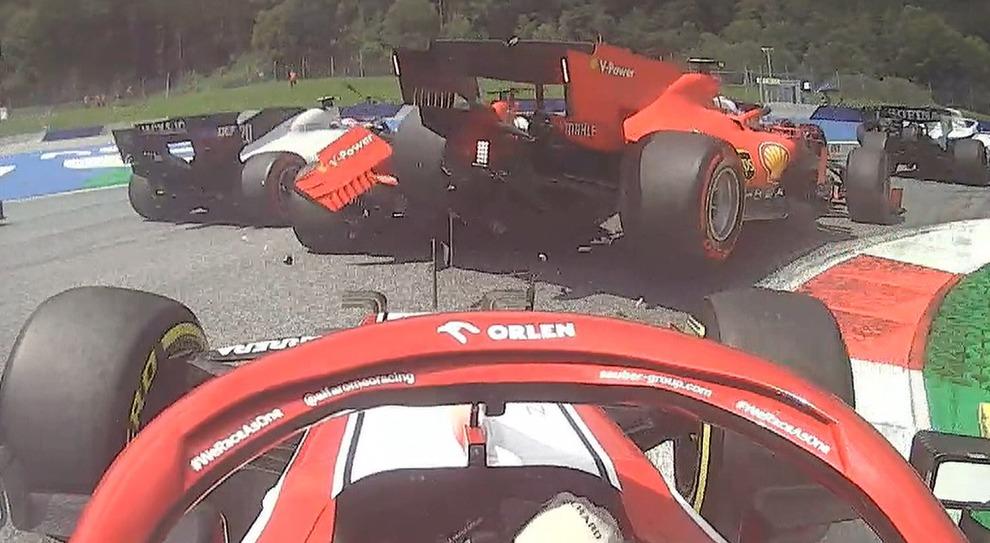 Live F1, GP Stiria in diretta: la Ferrari Leclerc sale su quella di Vettel