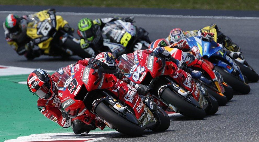 La Ducati di Petrucci davanti a Dovizioso e Marquez
