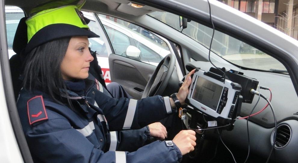 """Sicurezza stradale, alla Polstrada in arrivo 120 """"Street control"""". Senza assicurazione 2,8mln di veicoli"""