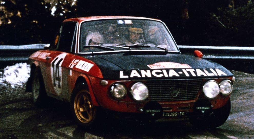La Lancia Fulvia HF con al volante Sandro Munari che trionfò nel rally di Montecarlo del 1972
