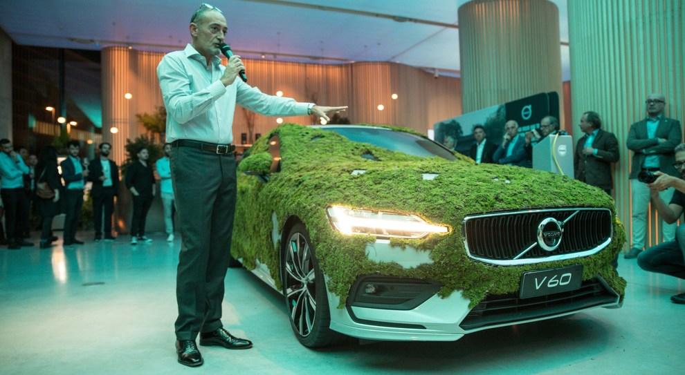 L'Ad di Volvo Italia, Michele Crisci, durante la presentazione dell'evento al Volvo Studio di Milano