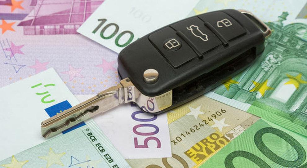 Bollo auto, ultime 24 ore: ecco come pagare (e chi deve farlo)
