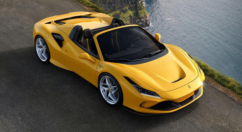 La nuova Ferrari F8 Spider