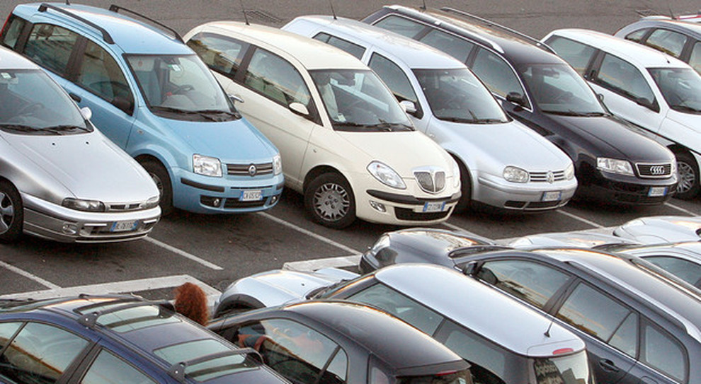 Auto, Lega: da gennaio 10 euro in più per ogni pratica