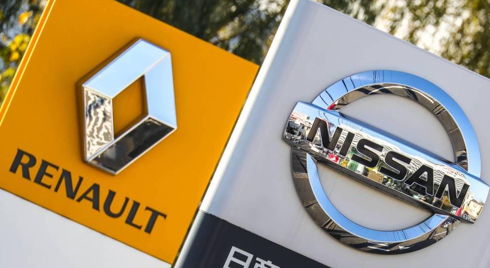 I simboli Nissan e Renault