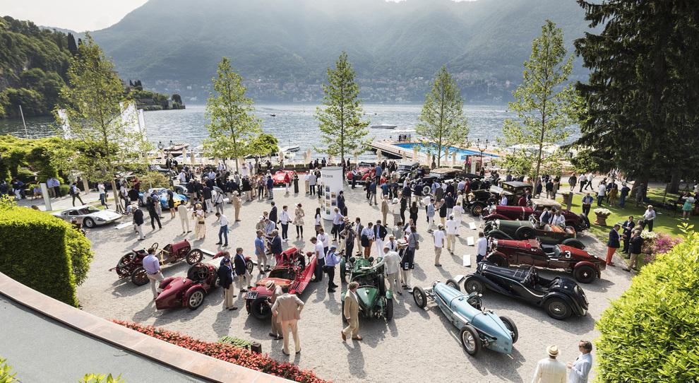 Pirelli Collezione, storia dell'auto attraverso gli pneumatici. Passerella a Villa d'Este per eredi del Cinturato