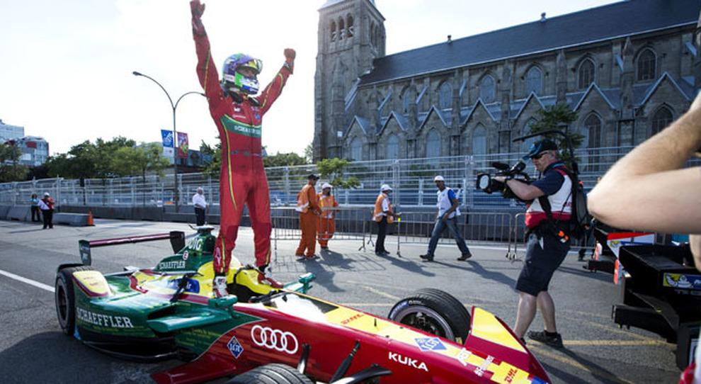 Lucas di Grassi festeggia il titolo di campione del mondo