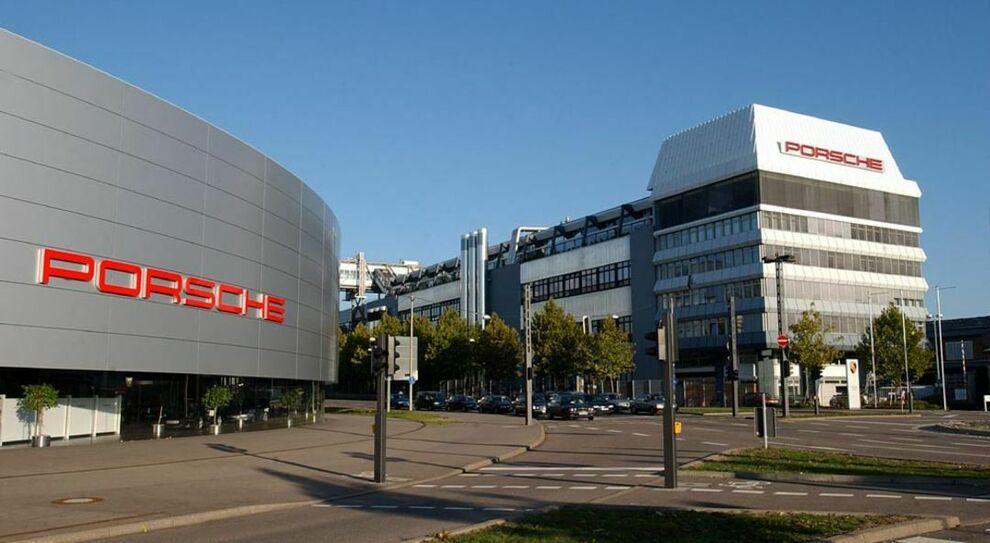 La sede ed il museo Porsche a Zuffenhausen