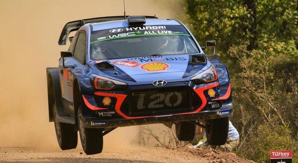 La Hyundai i20 WRC di Neuville