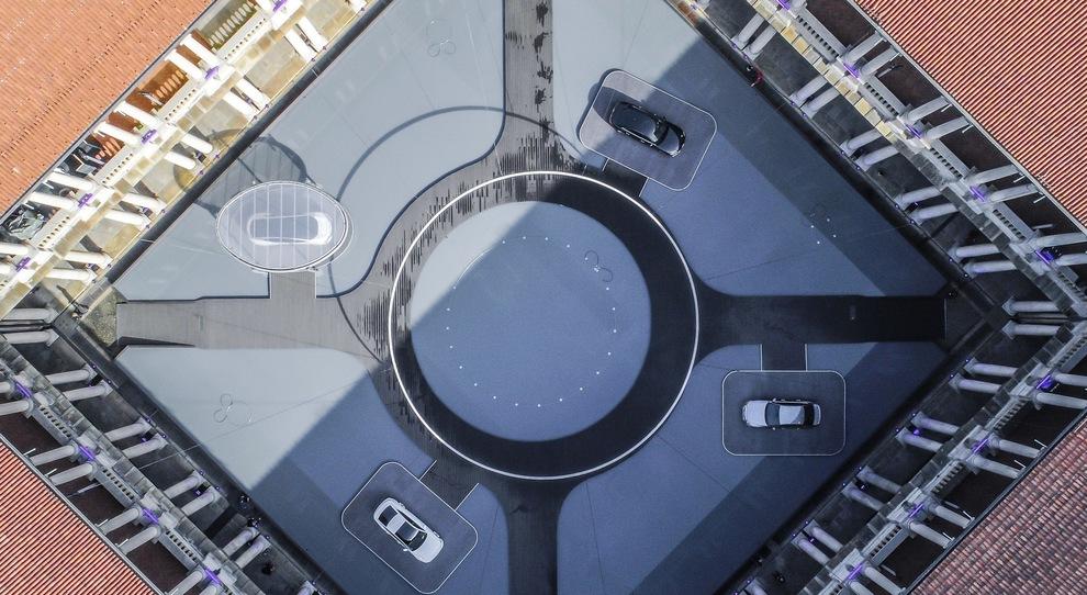 Una panoramica dell'installazione Audi a Milano