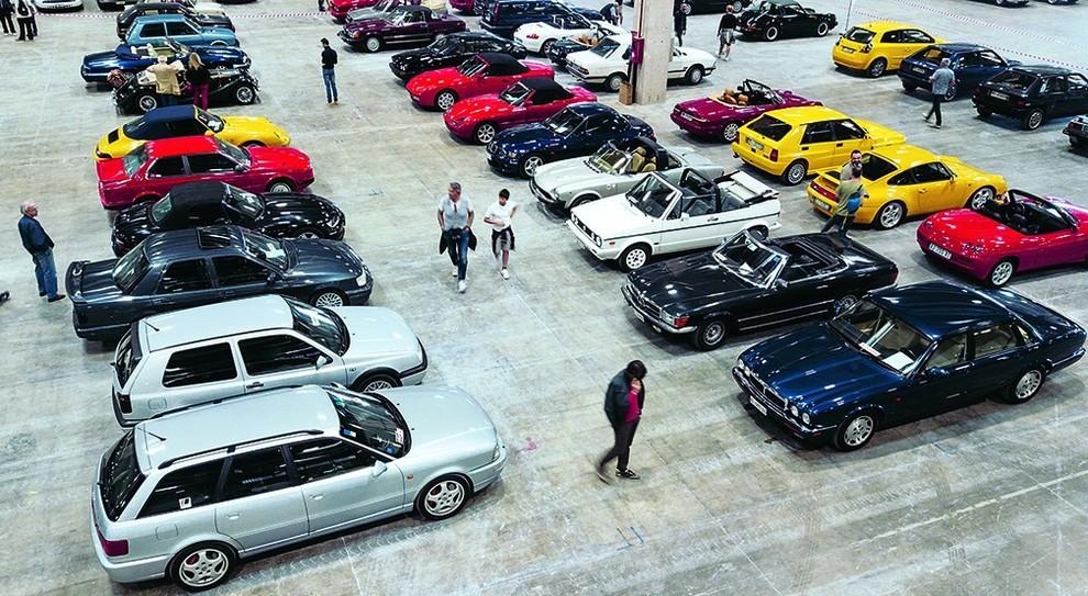 """Ferrari, Alfa, Mercedes: le """"Youngtimer"""" protagoniste a Padova. 80 auto con 30 anni di fascino al 4° raduno nazionale"""