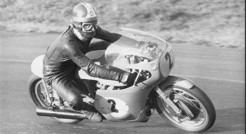 Giacomo Agostini a vallelunga con la sua MV Agusta